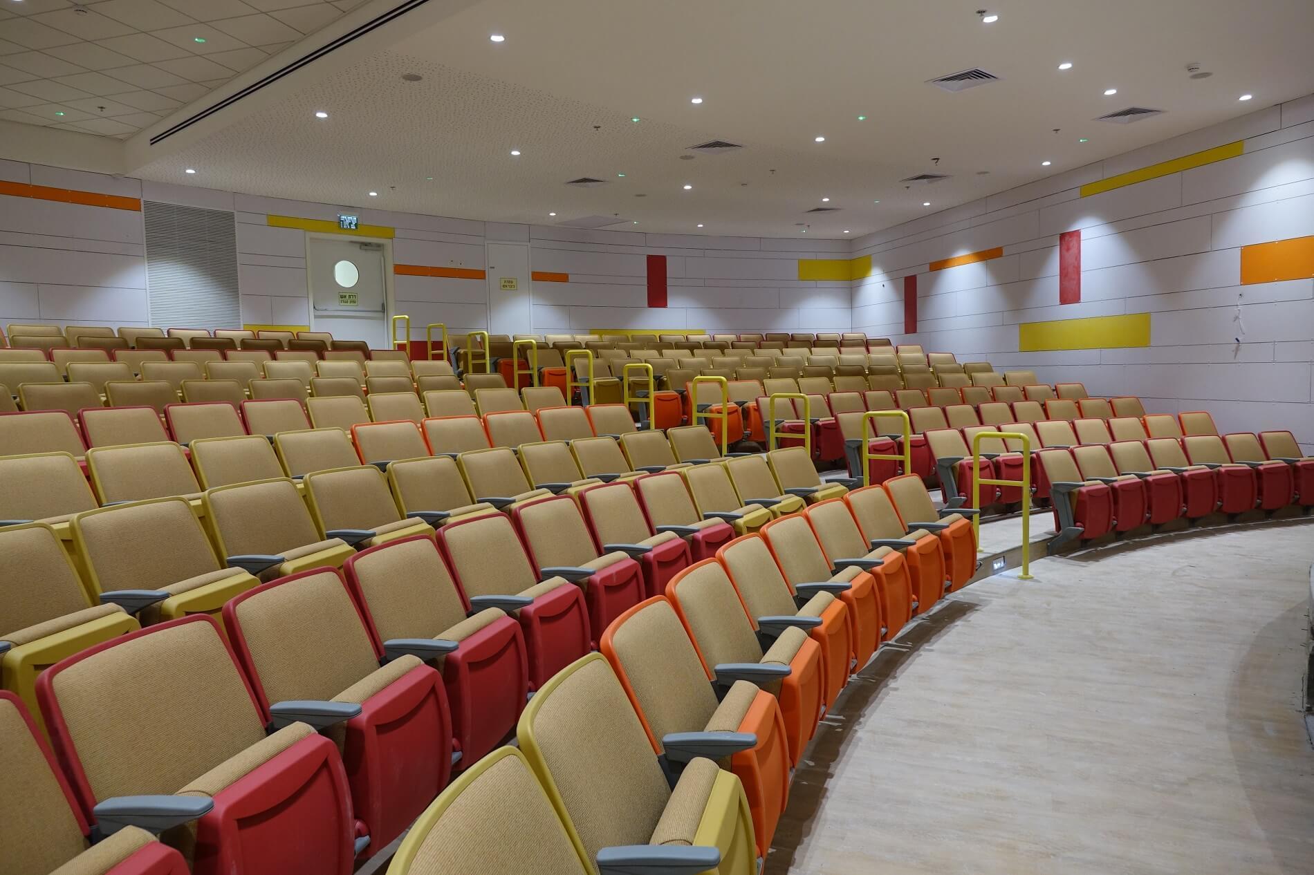 אודיטוריום בית ספר קוגל כיסאות IRWIN- CITATION (3)